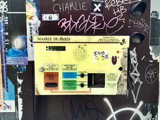 Paris car park ticket machine