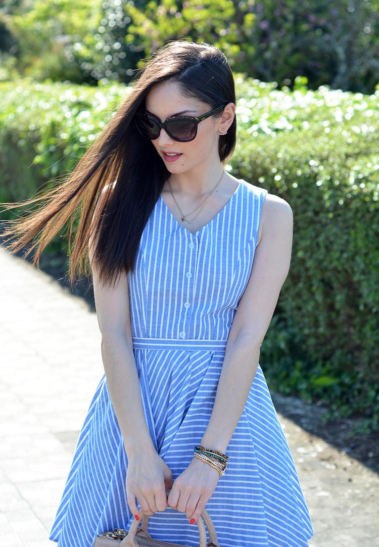 Zara_abaday_como_combinar_ootd_outfit_vestido_rayas_nude_03