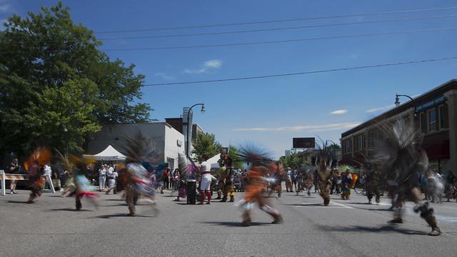 Dancers on Lake Street