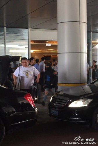 more BIGBANG arrival Shenzhen 2015-08-07 (64)