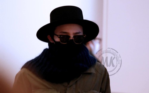 Big Bang - Haneda Airport - 27feb2015 - G-Dragon - Molly & Kelly's Shop - 02