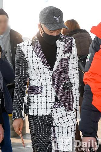 Tae Yang - Incheon Airport - 09jan2015 - TV Daily - 08
