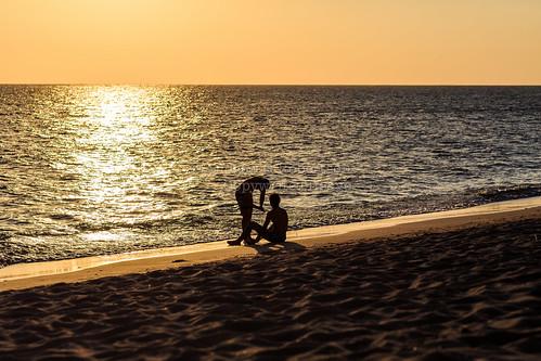sunset sun 3 beach silhouette set canon eos iii 85mm playa trinidad 5d f5 ancon mk sanctispiritus sancti mkiii mk3 spiritus playaancon canon85mm12 canon5dmkiii