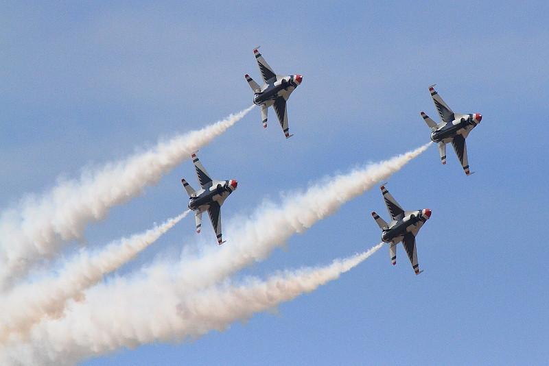 IMG_7712 Thunderbirds, LA County Air Show