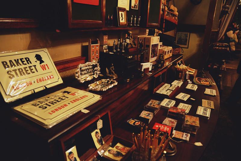 Sherlock souvenir shop