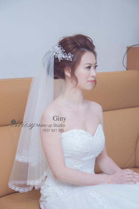 Giny,台北新娘秘書,新秘,清透妝感,蓬鬆盤髮,自宅,歐美手工飾品,編髮