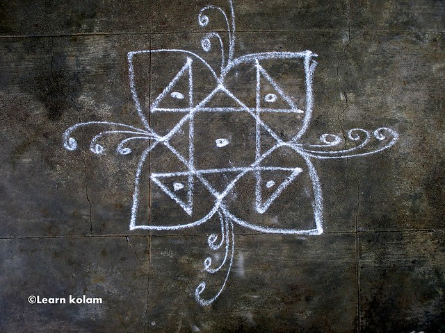 Easy apartment kolam without dots for Apartment kolam design