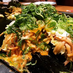similar to yesterday's lunch, but at Fugetsu #okonomiyaki #yodobashi #osaka #japan #お好み焼き#風月