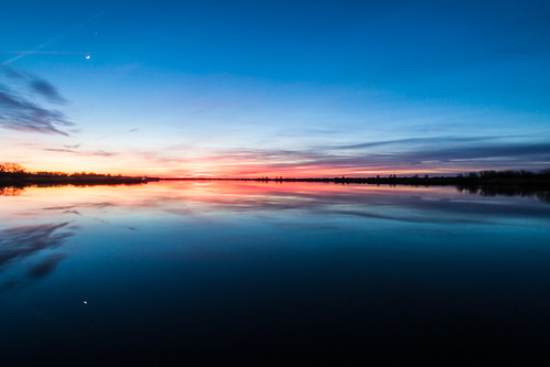 longexposure blue sunset orange lake reflection canon mirror zonsondergang meer blauw spiegel wideangle naturereserve tamron oranje reflectie calmwater natuurgebied groothoek langesluitertijd canoneosd450 janalbert tamron1024mm degrotewielen sterklicht janalbertnoordstra sterklichtcom