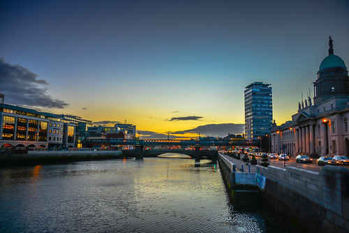 city ireland sunset dublin water night river dark lights evening irland eire na liffey ie baile irlanda irlande éire cliath átha poblacht airlann héireann