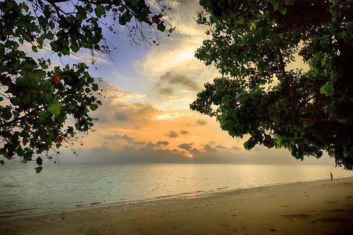 beach clouds sunrise landscape thailand island nikon phi bluesky andamansea d810 nikond810