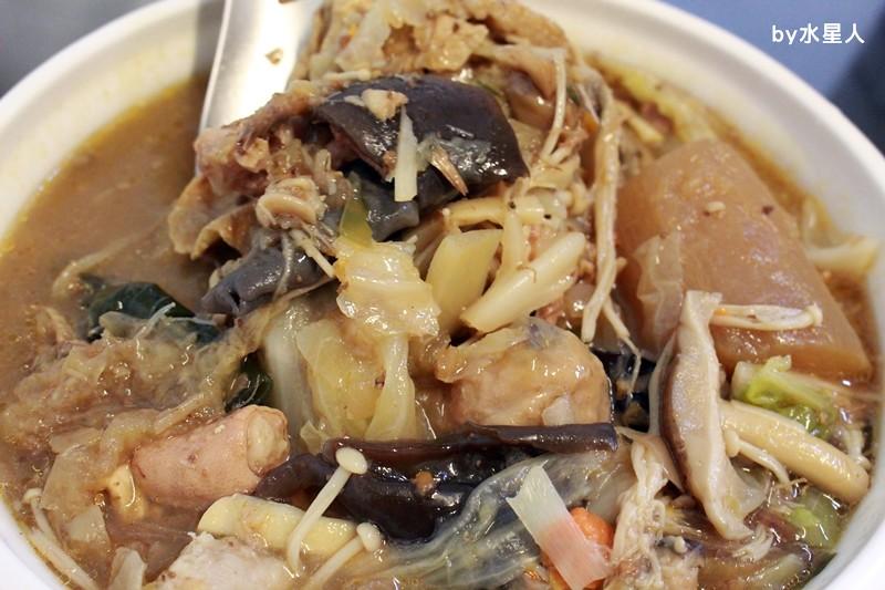 27653428504 337a2c01af b - 熱血採訪|台中西區【饎祕製古早味】向上市場熟食老攤,四神湯、什菜湯太讚啦!