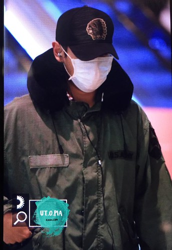 BIGBANG departing Sydney for Melbourne 2015-10-20 (4)