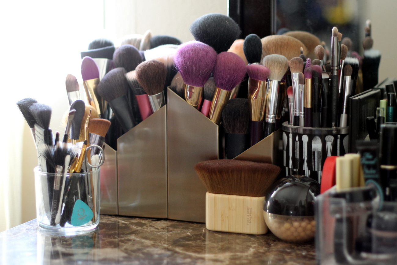 Makeup Brush Reorganization | Re-Mix-Her
