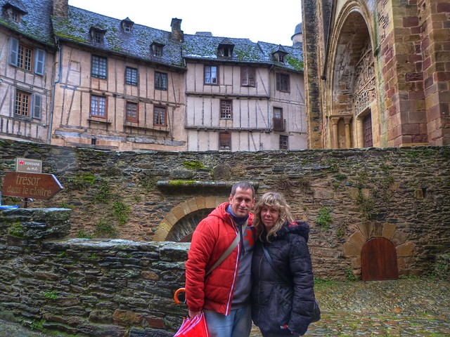 Rebeca y Sele en Conques (Francia)