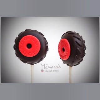 Tires cake pops