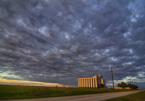 clouds texas katy dusk dirtroad katytexas brookshire wallercounty katyprairie orangereflection brookshiretexas midwayrice wallercountytexas midwayricesilo midwayricesilotexas