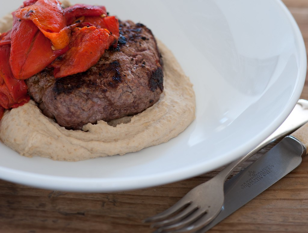 w3 beef burgers with red peppers & lentil hummus-3