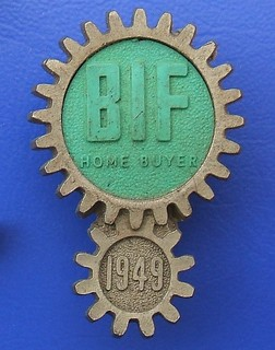 (BIF) British Industries Fairs - Home Buyer plastic badge (1949)