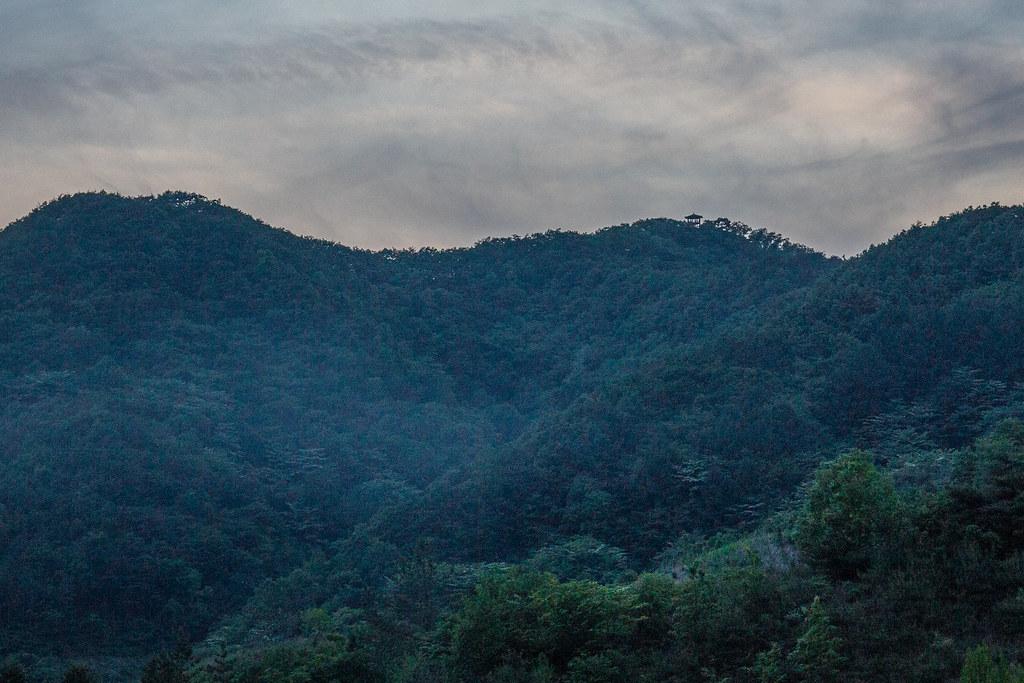 月明洞橄欖山八角亭