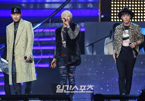 Taeyang-GoldenDisc-Awards-mainshow-20150114-Press-2