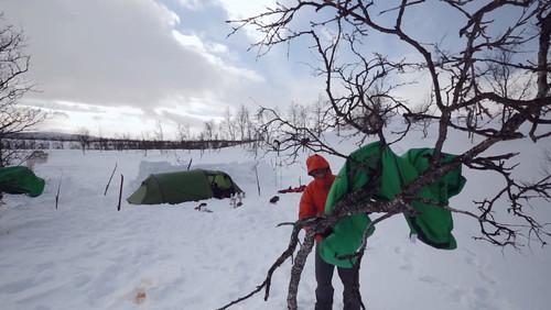 Dokument Sibiřský Traverz mapuje 9 288 km dlouhou lyžařskou výpravu po  nejdelší železnici světa – Transsibiřské magistrále. Špičkoví lyžaři a  filmaři z ... be115594a0