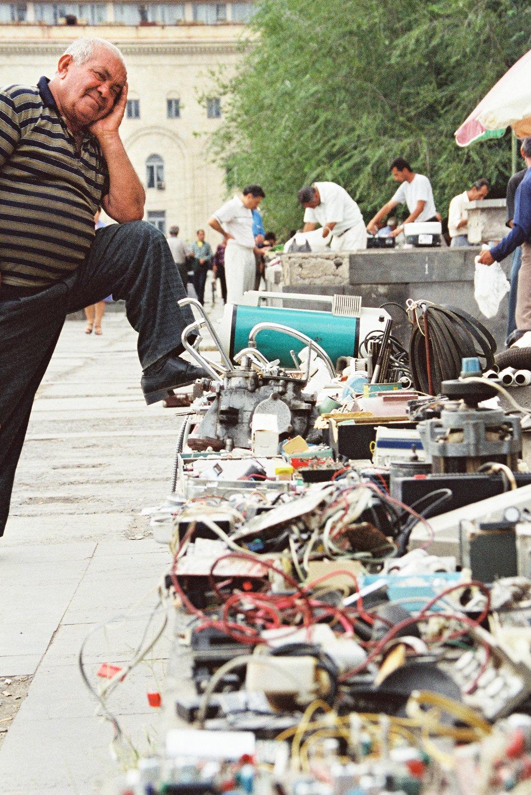 Tomber sous le charme de l'Arménie - Le marché aux puces