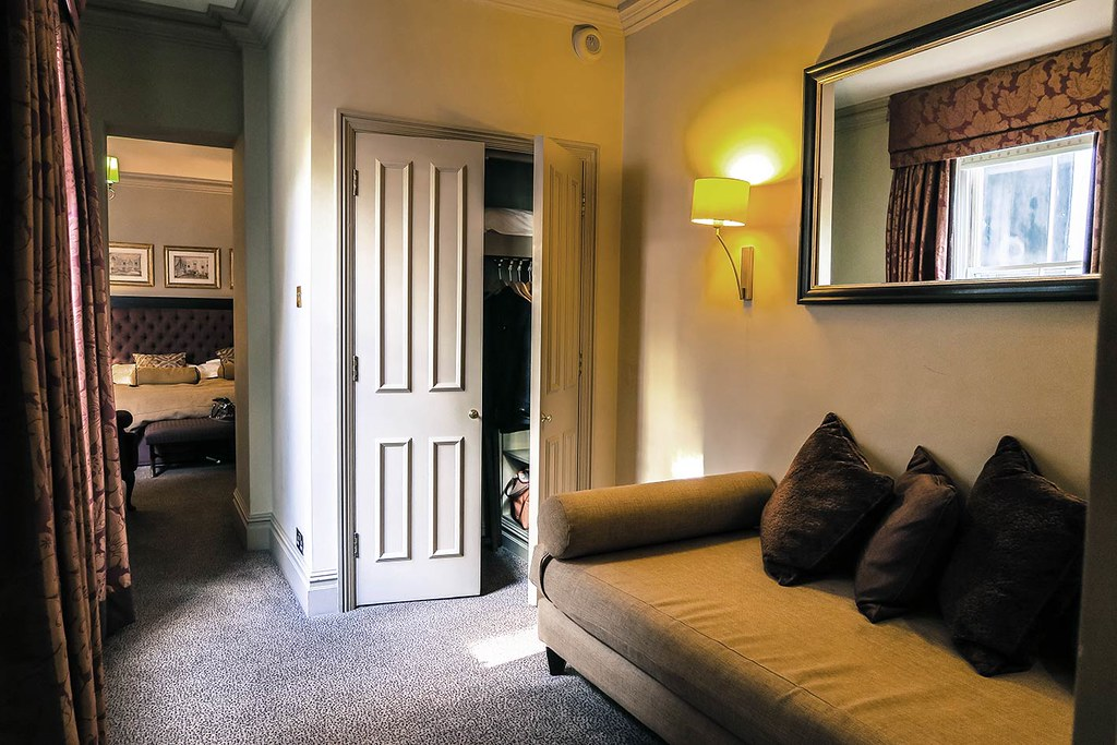 fox-club-london-executive-suite-room-in-mayfair-london-pictures-of-the-eecutive-suite-room