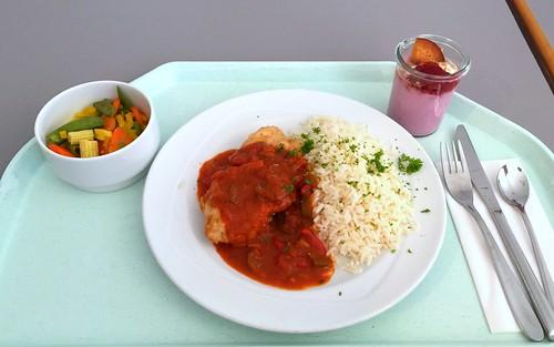 "Turkey escalope with bell pepper sauce & rice / Putenschnitzel ""Zigeuner Art"" mit Reis"
