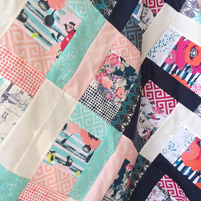 Tagged by @lilysquilts here is my #widrn - my improvisational #quilt with #Skopelosfabrics is pieced and I will work on adding the borders today. I am tagging @sharonhollanddesigns @jessica_alex and @mvquilts 😊 #katarinaroccella #artgalleryfabrics #