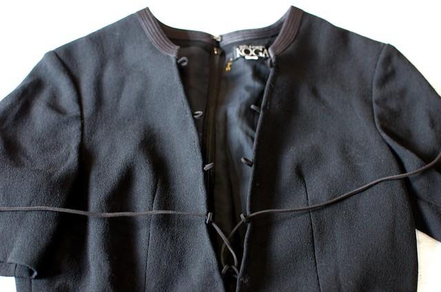Make a Lace Up Dress www.apairandasparediy.com