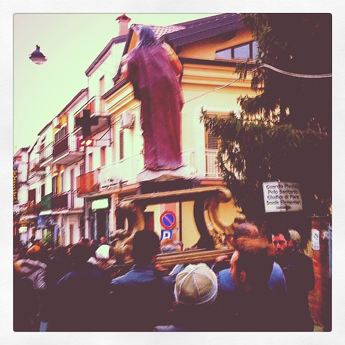 #processione (#settimanasanta che non usa #viacrucis in #Calabria)