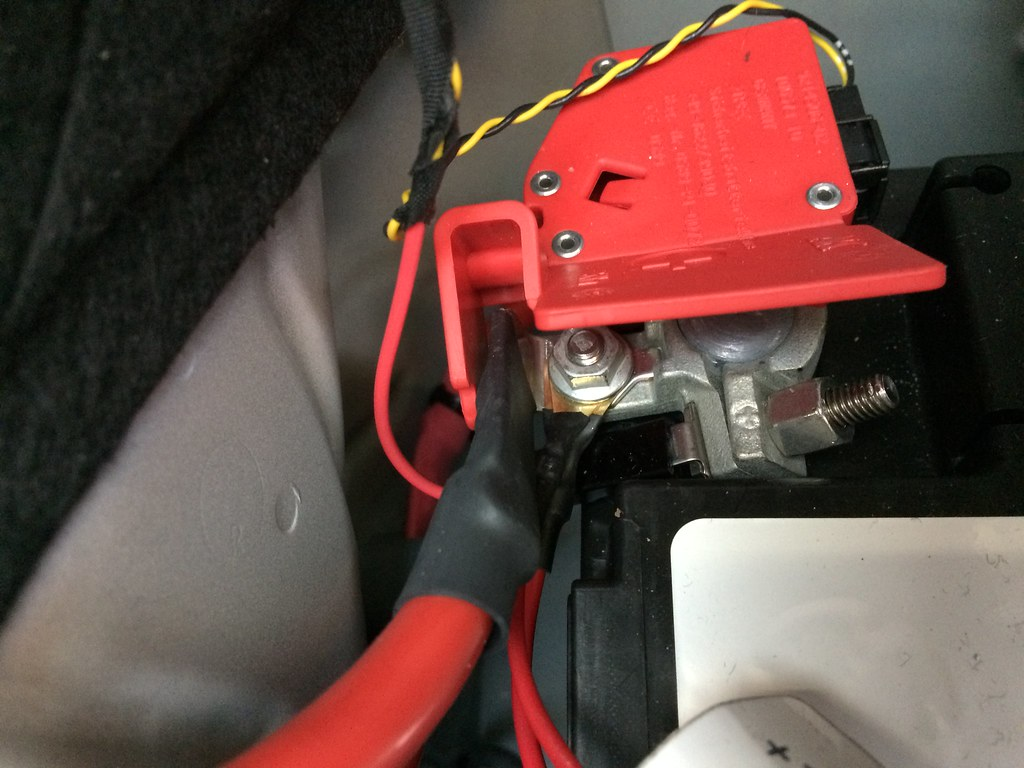 2013 Bmw X5 Trailer Wiring Hitch Install From Excuhitch Basically It Monitors Voltage On The Spliced Wires And Then Provides Independent Output To Lights