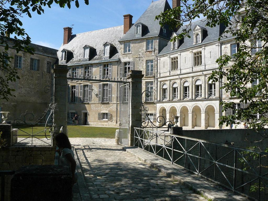 Chateau Saint-Brisson-Sur-Loire