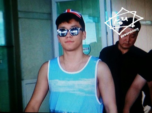 Seung Ri - Incheon Airport - 02aug2015 - Power Victory - 01