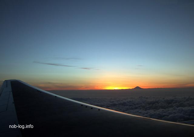 飛行機と富士山