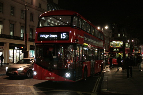 Stagecoach London LT252 on Route 15, Charing Cross Station