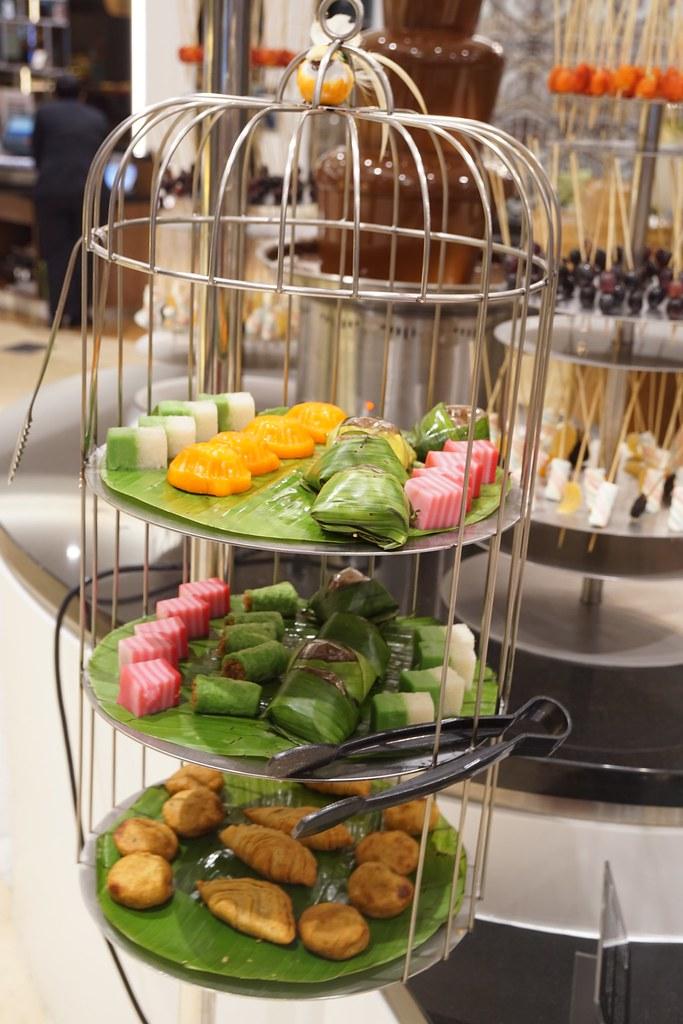 nyonya kuih Latest Recipe - buffet - LE MERIDIEN KUALA LUMPUR -004