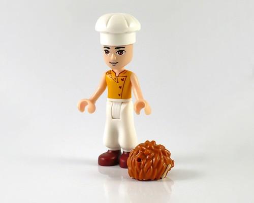 LEGO Elves 41074 Azari and the Magical Bakery figures05