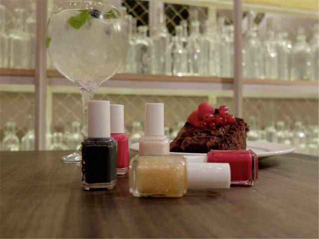 Saporem, Cakes&Tonics + manicura