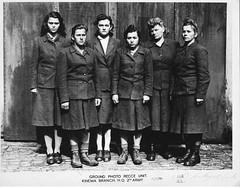 Belsen camp guards (L-R) Charlotte Klein, Lisbeth Fritzner, Hilde Lisiewit</span><br><span class=