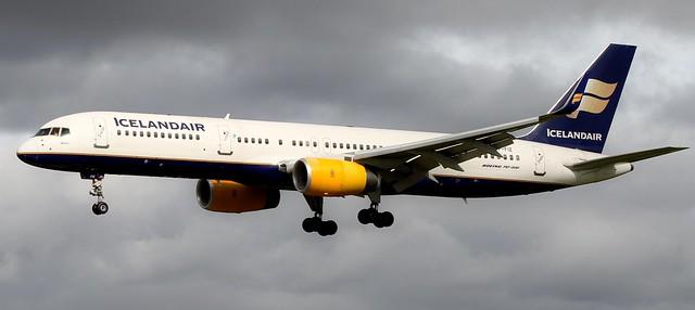TF-FIZ ICELANDAIR BOEING 757-256(WL)
