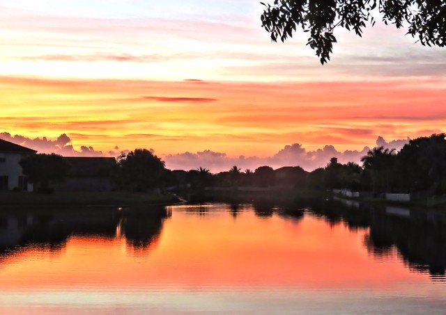 Sunrise HDR 20150413