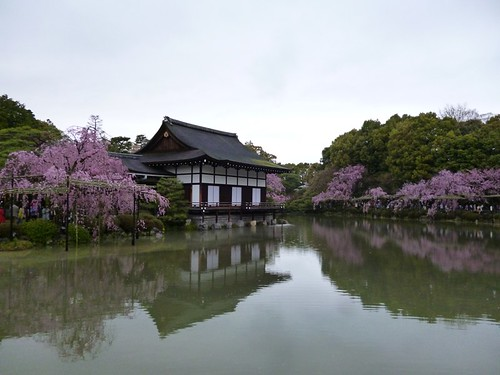 heinan jingu shrine garden 2
