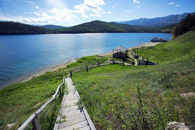 Zmeevaya buhta. Svyatoi Nos. Baikal. Russia