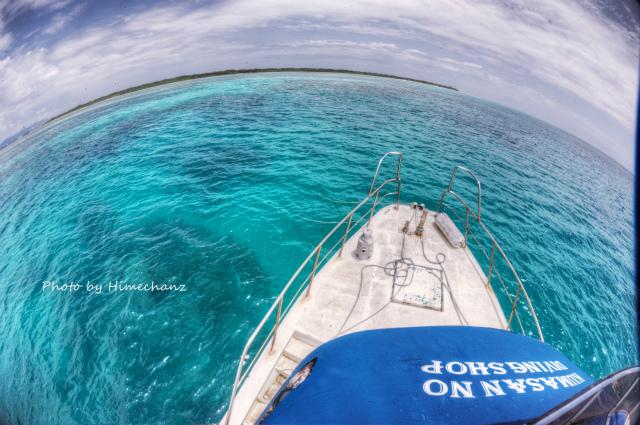 午後からようやく青空が!海はちょっと緑な感じ。。