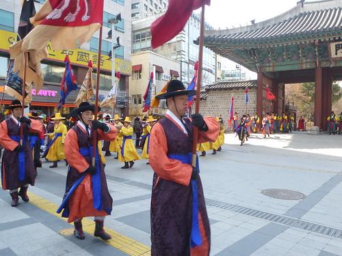 Co-Seoul-Palais-Deoksugung-Gardes-Changement (22)