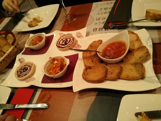 tapa bodegón de carlos - vilareal - foie con mermelada de flores y sal maldón