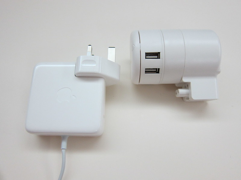 Twist Plus Word Charging Station - With MagSafe Power Adapter