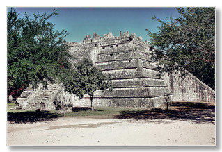 Chichén Itzá MEX - Osario 07